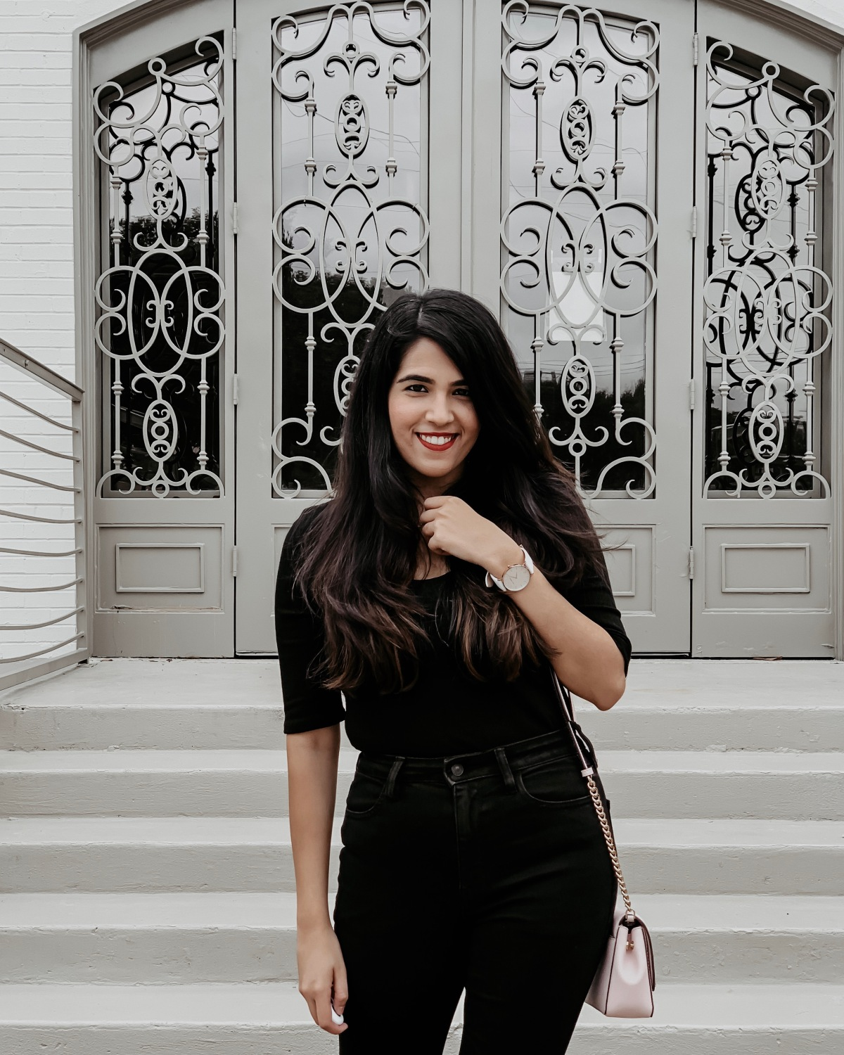 How to Style All BlackOutfits